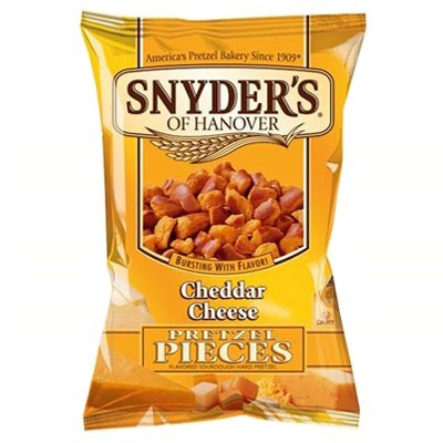 Snyders Cheddar Cheese pretzel pieces 56g